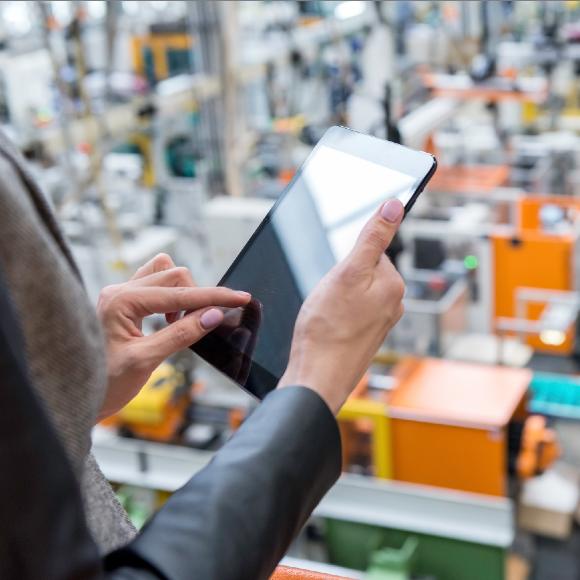 ¿Cómo revisar las estrategias de negocios y volver digital el mercado minorista?